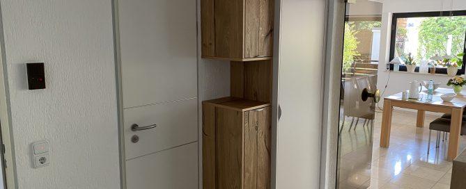 Garderobenschrank als Einbaumöbel