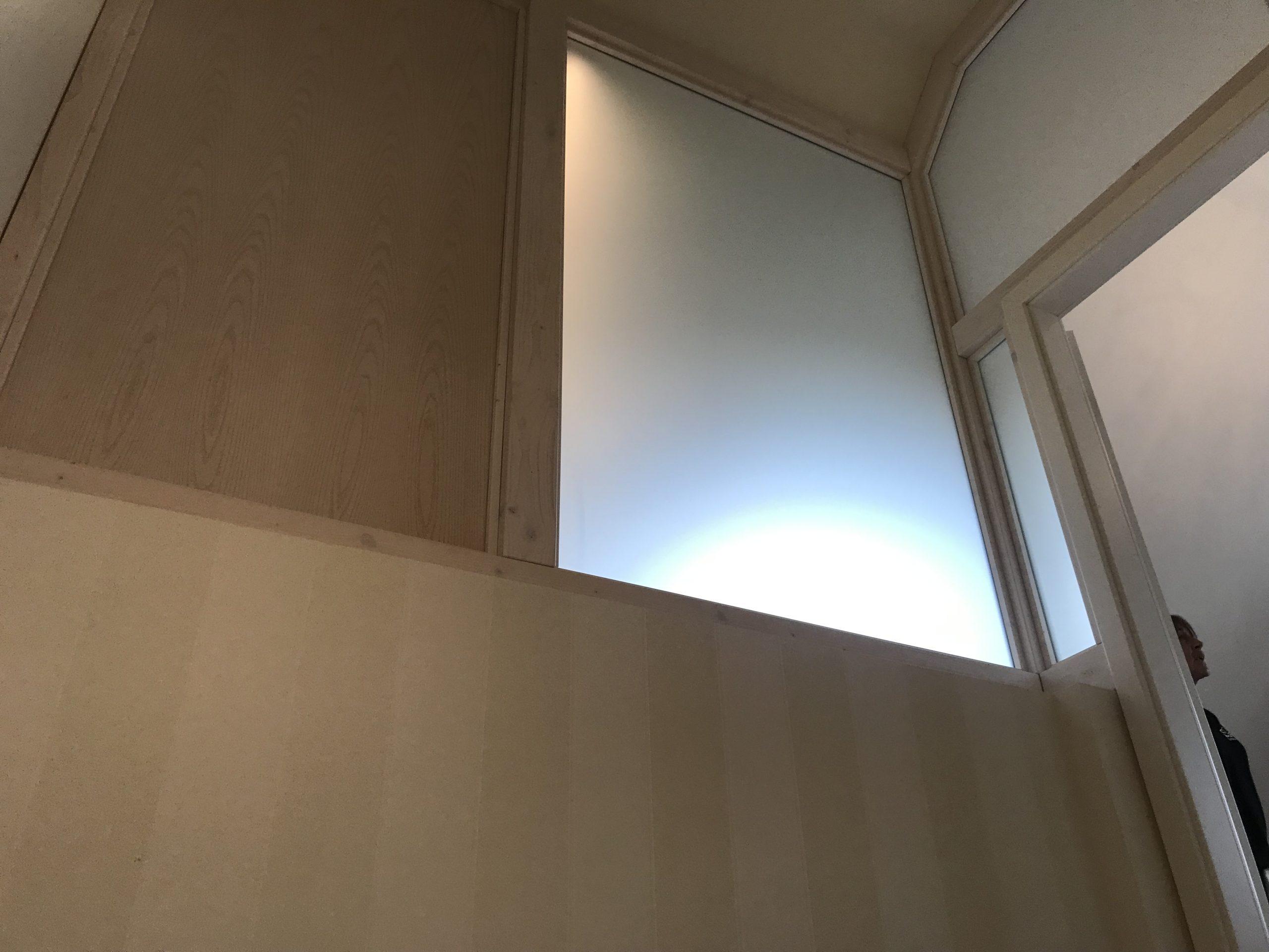 Spitzboden von Treppe aus